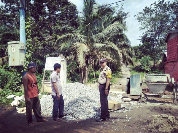 Peninjauan Pembangunan Box Curver RT.004 Lubuk Lawas bersama Bhabinkamtibmas