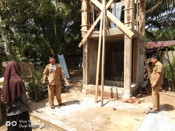 Masuk hari pertama kerja Pj. Kades Lubuk Lawas langsung Tinjau Kegiatan Pembangunan pasca lebaran