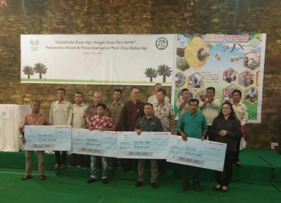 ASIAN AGRI SERAHKAN AWARD BEBAS API 2018/2019 SECARA SIMBOLIS KEPADA DESA LUBUK LAWAS